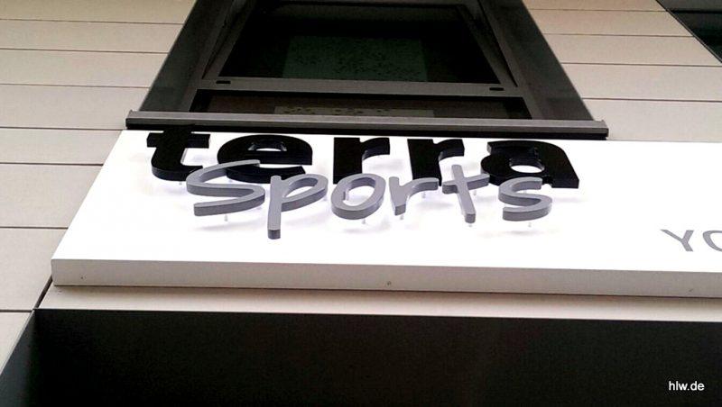LED-Buchstaben als Rückleuchter - terra sports