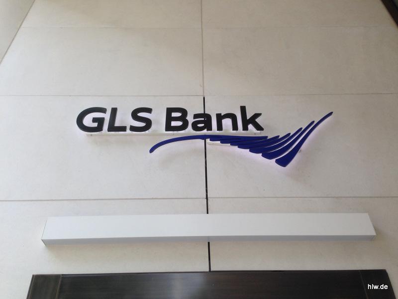 LED-Buchstaben als Rückleuchter - GLS Bank Frankfurt