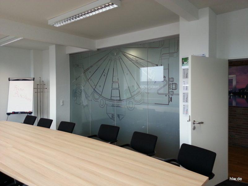 """Glas-Beschriftung im Innenbereich in """"Milchglasoptik"""", Kone, Aufzüge, Rolltreppen"""