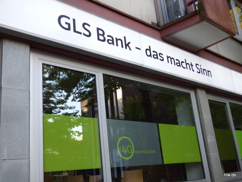 LED-Leuchttransparent mit Beschriftung - GLS Bank Bochum