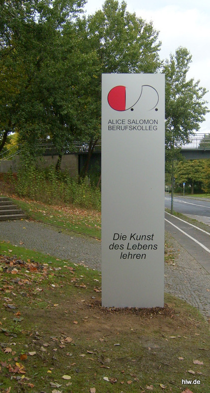 Standschild als Pylon
