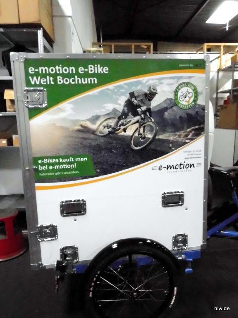 Beschriftung eines Fahrrad-Anhängers mit Digitaldruck